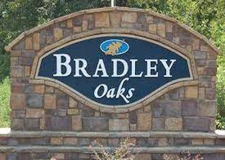 Bradley Oaks Community - David Lindsey Homes